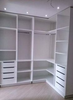 closet layout 392024342564782043 - ideas for closet organization diy shoes walk in Source by ceciliagaillard Corner Closet, Corner Wardrobe, Wardrobe Design Bedroom, Master Bedroom Closet, Bedroom Wardrobe, Wardrobe Closet, Bedroom Desk, Master Bedrooms, Bedroom Closets