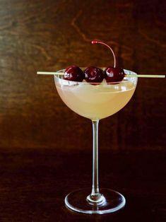 elderflower ginger fizz cocktail