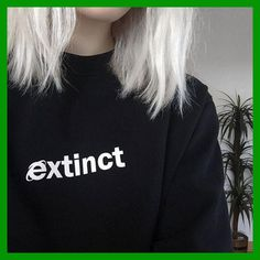 Image shared by saphirenewjade. Find images and videos about black sweatshirt, black and grunge on We Heart It - the app to get lost in what you love. Pastel Grunge, Pastel Goth, Grunge Style, Neo Grunge, Black Grunge, Trend Fashion, Punk Fashion, Grunge Fashion, Fashion Top