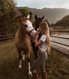 Imagen de girl, horse, and hair