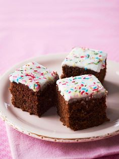 Chocolate Victoria Sponge Cake Dr Oetker