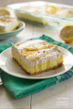 sugar free desserts recipes for diabetics, baking dessert recipes, ethiopian dessert recipes - Lemon cheesecake pudding dessert is a no-bake dream! Graham crackers, lemon pudding, cream cheese and whipped topping combine in this layered lemon dessert! Lemon Desserts, Lemon Recipes, No Bake Desserts, Easy Desserts, Dessert Recipes, Health Desserts, Lemon Cheesecake Bars, No Bake Pumpkin Cheesecake, Cheesecake Pudding