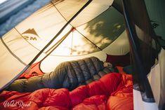 Nos duvets pour un bivouac dans les Dolomites, le plus beau massif d'Italie Sac A Dos Trek, Duvet, Formations Rocheuses, Outdoor Furniture, Outdoor Decor, Bean Bag Chair, Instagram, Home Decor, Wanderlust