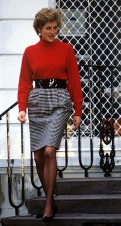 January 10 or 15, 1990. It was the start of a new school term and Princess Diana was pictured dropping off Princes William and Harry at Wetherby School in Nottinghill, London. Diana wearing a black and white small checked  black broad belted tweed skirt and red polo neck sweater.