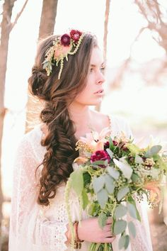 Coiffure mariage cheveux longs et mi-longs en 60 idées élégantes