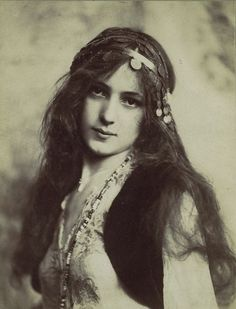 Beautiful Gypsy Girl