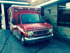 2004 Ford E-Series Van E-450 / Mcoy Miller Ambulance (Type III); love those turn signals on the box