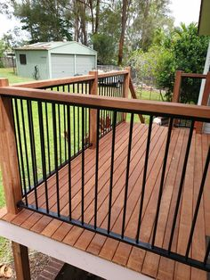 Are you searching for reliable timber decking expert in Brisbane? We are most renowned builder and suppliers of decks. Deck Railing Design, Patio Railing, Hand Railing, Backyard Patio Designs, Small Backyard Landscaping, House In Nature, Timber Deck, Restaurant Interior Design, Building A Deck