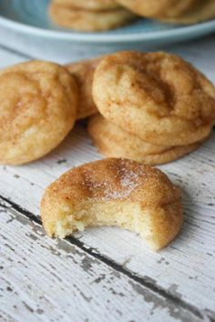 Snickerdoodle cookies are always a crowd favorite! This recipe makes soft, thick and fluffy Snickerdoodles brimming with that classic cinnamon flavor. Snickerdoodle cookies hold a very special plac… Cookie Desserts, Just Desserts, Delicious Desserts, Dessert Recipes, Yummy Food, Eggless Desserts, Potluck Recipes, Summer Desserts, Summer Drinks