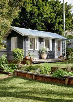 Backyard Studio, Backyard Sheds, Backyard Cottage, Tiny House Cabin, Tiny House Design, Rest House, Casas Containers, Back Gardens, House Painting
