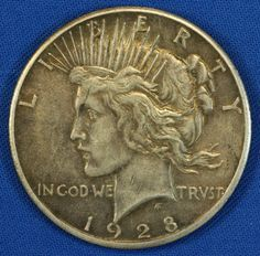 1928 P Peace One Dollar Silver Coin - Key Date Philadelphia Rare Coins Worth Money, Valuable Coins, Saving Coins, Coin Books, Coin Dealers, American Coins, Gold And Silver Coins, Coin Worth, Antique Coins