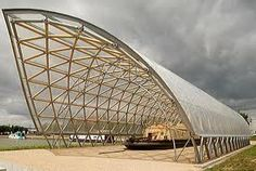 Shigeru Ban - Architecture using cardboard tubes