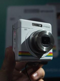 Polaroid iZone is a tiny adorable camera that can record 1080p full HD videos
