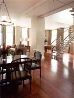 SPACIOUS TRANSITIONAL DINING ROOM