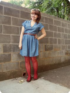 Outfit: Denim Dress, Rust Patterned Tights, & a Composer Print Scarf Colored Tights, Patterned Tights, Cute Dress Outfits, Cute Dresses, Jamie Rose, Pantyhose Outfits, Nylons, Mod Girl, Mom Dress