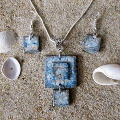 Craft Jewelry, Beaded Jewelry, Handmade Jewelry, Handmade Gifts, Shell Pendant, Pendant Set, Eggshell Mosaic, Egg Shell Art, Art Carved