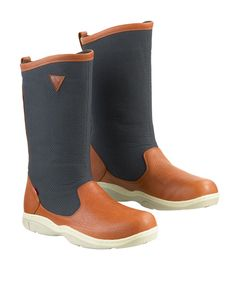 Shop Musto's advanced sailing boots and shoes, offering advanced in-sole drainage systems and exceptional grip. Including leather yacht and sea boots, deck shoes, canvas boat shoes and more. Sailing Boots, Fishing Shop, Canvas Boat Shoes, Navy Man, Outdoor Outfit, Brown Boots, Chelsea Boots, Shoe Boots, Footwear