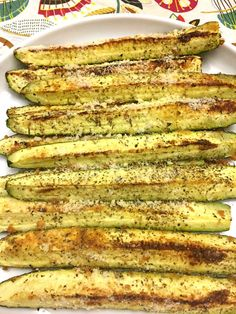 What To Make With Zucchini This Summer? As a highly consumed summer squash, zucchini is made into a number of dishes, ranging from roasted to stir-fried with other veggies. Side Dish Recipes, Vegetable Recipes, Vegetarian Recipes, Cooking Recipes, Healthy Recipes, Vegetable Appetizers, Veggie Food, Cooking Tips, Baked Zuchinni Recipes