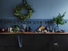 Our favourite IKEA once again surprises and makes us admire. Just take a look at these simply magical Christmas interiors in a bold and very beautiful ✌Pufikhomes - source of home inspiration Ikea Christmas, Magical Christmas, Christmas And New Year, Simple Christmas, Blue Christmas, Ikea Inspiration, Christmas Interiors, Home Decor Pictures, Cuisines Design