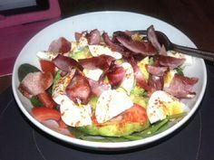Avocado with bacon & egg (paprika)