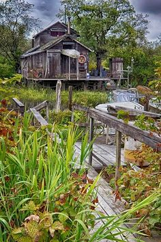 Cottage on Stilts. Places Ive Been, Places To Go, Fraser Valley, Cabins In The Woods, Back In The Day, Hiking, Canada, Cottage, House Styles