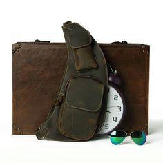 Moda y complementos para hombres y mujeres. Bolsos, bandoleras y mochilas diseño retro estilo vintage.¡Descubre todas las rebajas en Yougametronica!