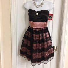 "Brand new with tag, Trixxi size 11 Brand new with tag, Trixxi, junior size 11, pink and black, strapless, length from hollow to hem: 25"" Trixxi Dresses Mini"