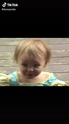 Funny Baby Memes, Funny Vidos, Cute Funny Baby Videos, Cute Funny Babies, Funny Videos For Kids, Crazy Funny Memes, Funny Short Videos, Really Funny Memes, Stupid Funny Memes