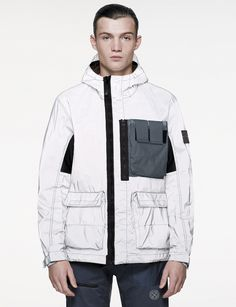 Stone Island Release Activewear References For Spring/Summer 2017 Sport Fashion, Mens Fashion, Casual Wear For Men, Work Jackets, Stone Island, Sport Wear, Active Wear, Street Wear, Winter Jackets