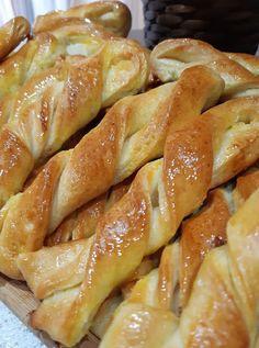 Greek Cooking, Sourdough Bread, Kitchen Recipes, Pretzel Bites, Hot Dog Buns, Chocolate Cake, Sweet Recipes, Breakfast Recipes, Biscuits
