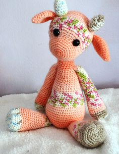 Emily the Giraffe -free pattern modification on Craftsy-you need to buy the original pattern.