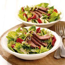 Zomerse salade met runderreepjes
