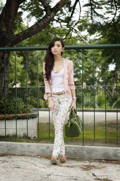 Light-pink-love-eye-candy-blazer-green-fino-bag-white-sm-gtw-pants