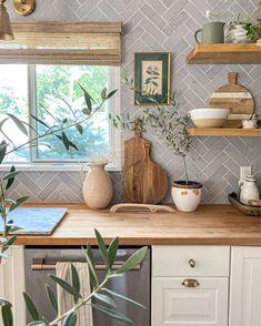Home Decor Kitchen, Kitchen Interior, Home Kitchens, Kitchen Ideas, Home Decor Inspiration, Home Remodeling, Kitchen Remodel, Sweet Home, Room Decor