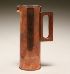 Finnish copper pitcher designed by Tapio Wirkkala Finland Vintage Furniture Design, Ceramic Tableware, Metal Crafts, Glass Design, Modern Classic, Scandinavian Design, Designer, Cool Designs, Porcelain