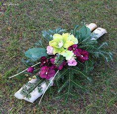 stroiki na wszystkich świętych 2015 - Szukaj w Google Cemetery Decorations, All Souls Day, Funeral Flowers, Ikebana, Flower Arrangements, Diy And Crafts, Projects To Try, November, Wreaths
