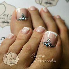 French-Rhinestone Toe Nail _Art