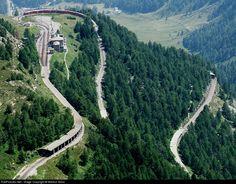 Net Photo: Unknown Rhätische Bahn ABe at Alp Grüm, Switzerland by Markus Gmür Bernina Express, Swiss Railways, Bahn, Northern Italy, Sea Level, Lake Como, Model Trains, Tour Guide, Alps