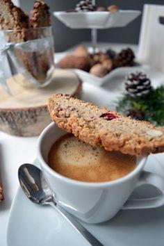 aboutVerena: Cantuccini mit Mandeln und frischen Cranberries / Cranberry-Almond-Cantuccini Recipe ( Biscotti Recipe )