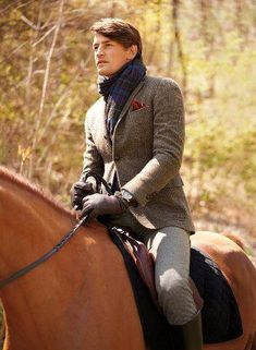 Ralph Lauren prepares any gentleman for a jaunt in the country. Mode Masculine, Look Fashion, Mens Fashion, Fashion Mag, Winter Fashion, Inspiration Mode, Sharp Dressed Man, Equestrian Style, Equestrian Clothes
