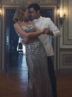 Taylor Swift's Blank Space Video metallic silver Dolce & Gabbana sparkle gown