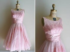 Vintage Pink Embroidered New Look Garden Party Dress Formal Prom Cupcake Vintage Party Dresses, Pink Party Dresses, Vintage Outfits, Vintage Fashion, Vintage Style, Vintage Prom, Vintage Decor, Vintage Clothing, Gold Dress