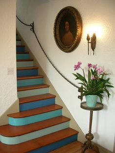 I want a 2 story house (or vacation home!) just so that I can do something amazing on the staircase.
