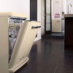Kövess minket és taggeld be a termékeink ha használod őket! #smeg #smeglovers #kitchen #design #italy #homedecor #konyharészlet #konyhagépek #prémium #luxus #konyhagépek #mosogatógép