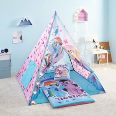 I love this for a My little pony Birthday or Christmas Gift! My Little Pony Teepee Tent Set Includes My Little Pony Light, My Little Pony Slumber Bag, and My Little Pony Pillow (affiliate) Girls Teepee, Teepee Tent, Teepee Party, Play Tents, Shopkins Pillows, My Little Pony Bedroom, Shopkins Girls, Slumber Parties, Bedroom Decor