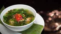 My Kitchen Rules Recipe - Kim & Suong's Mustard Leaf Soup Sibas Table Recipes, Soup Recipes, Yummy Recipes, Vietnamese Soup, Real Food Recipes, Cooking Recipes, My Kitchen Rules, Salt Pork, Pork Meatballs
