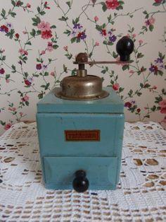 Lief koffiemolentje. www.brocantespulletjes.nl