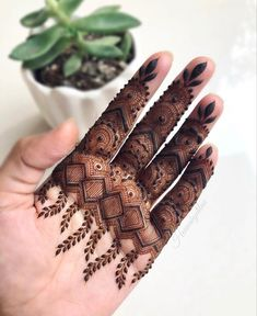 Simple Mehndi Designs Fingers, Finger Mehendi Designs, Kashee's Mehndi Designs, Pretty Henna Designs, Indian Henna Designs, Floral Henna Designs, Latest Bridal Mehndi Designs, Mehndi Designs For Beginners, Mehndi Design Pictures