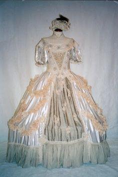 TRAJES DE EPOCA: Vestido estilo Barroco Beige  s:XVIII