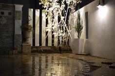 格調高いエレガントなお庭 風舞庭株式会社 長野県N様邸 Spectacular garden lighting by lighting professionals. Enjoy a dramatic, romantic, even mysterious scene comparing to a day time.